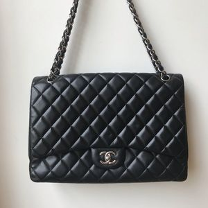 Chanel maxi classic single flap in lambskin